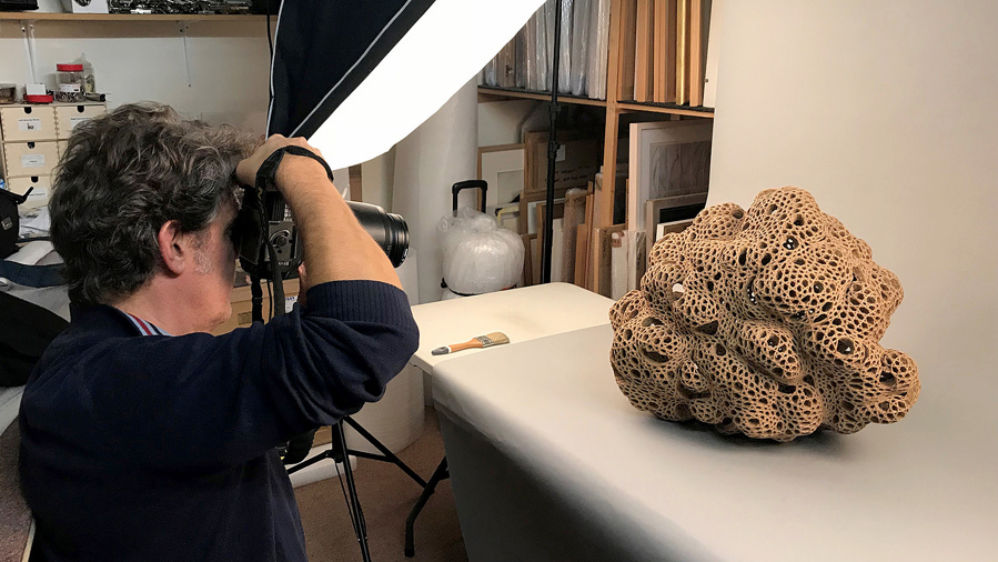 Art UK rephotographing sculptures from the Paintings in Hospitals collection for inclusion in their groundbreaking Sculpture Project.